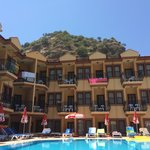 Photo de Belcehan Beach Hotel