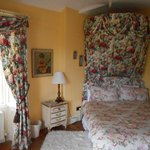 Clone House, Aughrim - A different bedroom