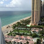 Photo de Trump International Beach Resort