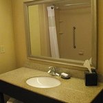 King Bed Room, Bathroom - Hampton Inn Moncton