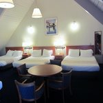 Three Queen Beds and One Single Bed (sleeps up to 7)