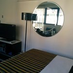 Photo de Meriton Serviced Apartments Kent Street