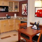 Photo de Marriott Residence Inn Montreal Airport