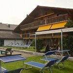 Hotel, Poolarea mit Outdoor-Restaurant