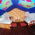 The Tentalow. spacious with private bathroom and hot water