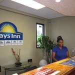 Days Inn Raleigh resmi