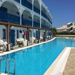 Photo de Mitsis Hotel Rinela Beach