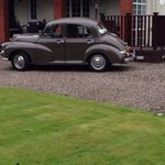Wedding car waiting for me at the brucefield :)