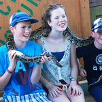 kids overcoming this fear of snakes