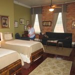 The 1940's Suite in Plains Historic Inn