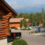 Photo de Becker's Roaring River Chalets