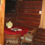 Foto The Log Cabin Motel