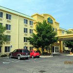 Photo de La Quinta Inn & Suites Detroit Utica