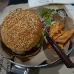 Beef burger (indonesian style)