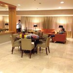 The Linden Suites resmi