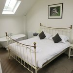Short-Eared Owl Suite master bedroom