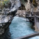 Foto de Johnston Canyon Resort