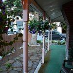 Holiday Lodge Bed & Breakfast & Cabins의 사진