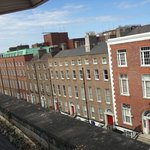 Photo de Premier Suites Dublin Leeson Street