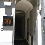 Photo de MH Design Hotel