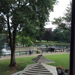 Foto van the runnymede-on-thames