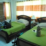 Junior Guest House resmi