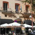 Photo de Hotel Adriano Sevilla