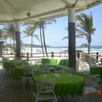 BAR junto a la playa