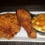 Fried chicken with Mac and cheese
