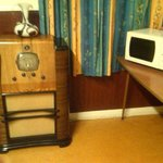 Antique radio in the breakfast room.