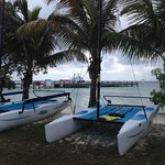 Photo de Hatchet Caye Resort