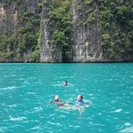 Photo de SweetDreamers Charters - Private Day Trips