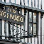 Ye Olde Dog & Partridge resmi