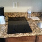 2 burner stove top, small round sink