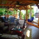 This porch/deck was wonderful!