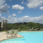 The rim pool and glorious Umbrian countryside