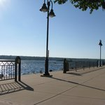 A promenade along Sturgeon Bay skirts the hotel.