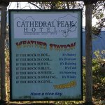 Cathedral Peak Hotel照片