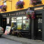 Photo de Burkes Bar and Restaurant