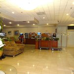 Foto de Holiday Inn Express Hotel & Suites Pasadena-Colorado Blvd.