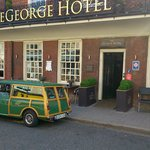 The George Hotel resmi