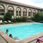 Photo of Hotel Les Bellugues