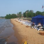 Foto de West Bay Beach - A Holiday Inn Resort
