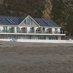 Photo de Tolcarne Beach Apartments