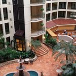 Photo de Embassy Suites Hotel Chicago - Schaumburg / Woodfield