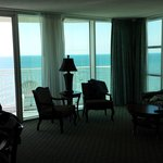 Perfect views! (sandy beach side view room)