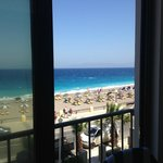 Photo de Mitsis La Vita Beach Hotel