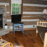 Hocking Hills Frontier Log Cabins resmi