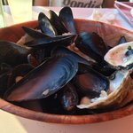Mussels in wine sauce and fresh oysters were great. We finished the whole bowl!