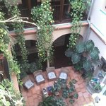 Photo de Hotel Patio de las Cruces